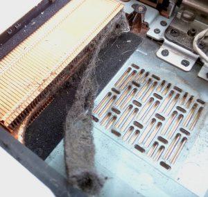 laptop przed czyszczeniem w serwisie warszawa